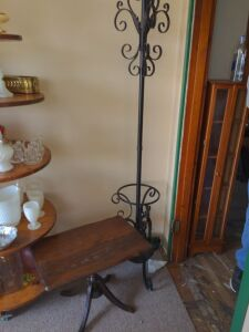 METAL HAT AND UMBRELLA STAND