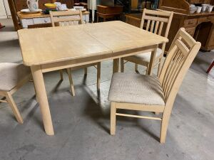 WHITE WASH OAK 5 PIECE DINETTE TABLE AND CHAIRS SET (5)