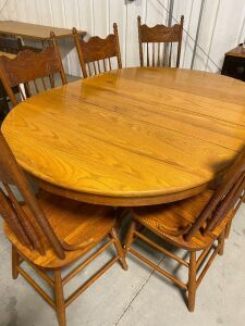 ANTIQUE SOLID WOOD 7 PIECE DINNING ROOM TABLE AND CHAIRS (7)