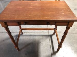 SOLID WOOD SIDE TABLE WITH DRAWER