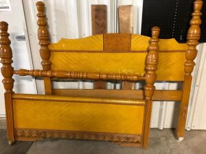 VINTAGE FULL SIZE HEADBOARD AND FOOTBOARD (2)