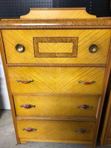 VINTAGE DRESSER WITH FOUR DRAWERS