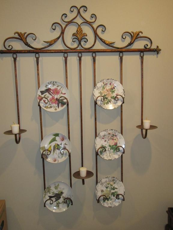 Lot 30 of 275 LARGE METAL PLATE HOLDER WALL HANGING - HALL & LARGE METAL PLATE HOLDER WALL HANGING - HALL
