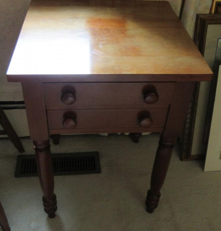 Lot 44 Of 706: SMALL CHERRY SIDE TABLE BY CHERRY TREE SOMERSET, KY