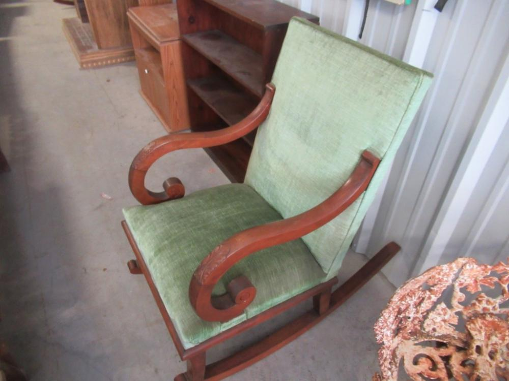 Lot 38 of 442: ANTIQUE UPHOLSTERED ROCKING CHAIR - ANTIQUE UPHOLSTERED ROCKING CHAIR