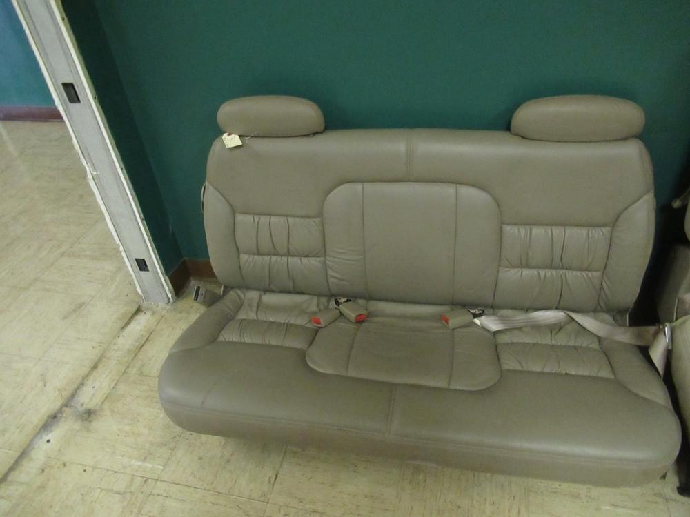 Pictures On Do Any New Cars Have Bench Seats
